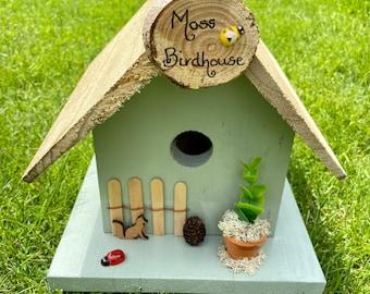 Green birdhouse. Personalised birdhouse. Birdhouse. Birdbox. Garden gift. Bird gift. nesting box