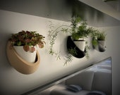 Removable ceramic wall pot