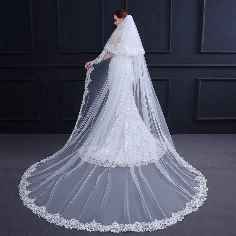 New Design Wedding Veil Double Layer Long Lace Trim Tail with Comb Bridal Wedding Lace Mantilla