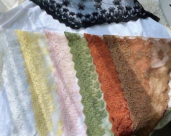 Triangular Lace Veil , Floral Chapel Veil Scarf ,Catholic Veil,Church Women Head Covering ,Hollowed Out Shawl