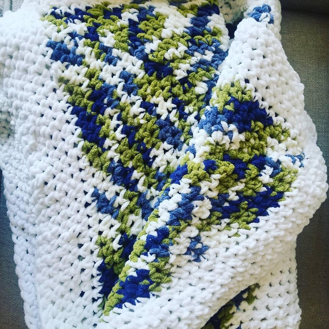 Couverture blanche et Camo Crochet