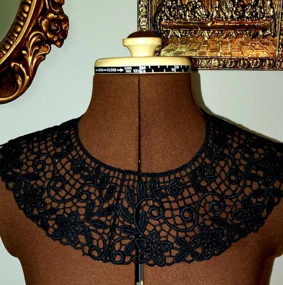 Antique Handmade Black Lace Collar.Reversible Deta