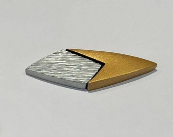 Star Trek 29th Century Combadge (Voyager Relitivity/Futures End)