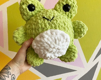 CHONKY crochet froggy