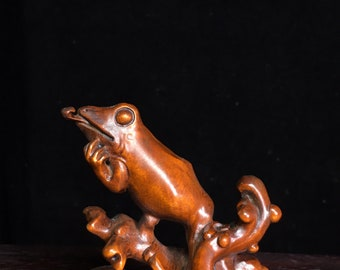 Chinese antique natural boxwood frog statue pure hand carved patterns are precious and exquisite