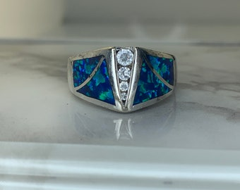 Estate Vintage Beautiful Ring 11 Cts 925 Silver 100/%Natural Ethiopian Opal Gemstone Ring Gift For Wedding AAA+