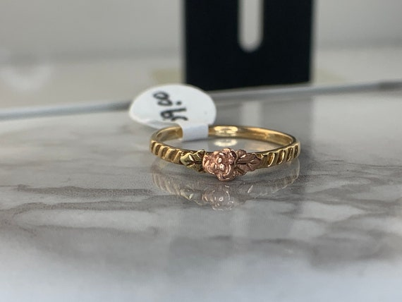 Estate 10kt Black Hills Gold Rose Ring