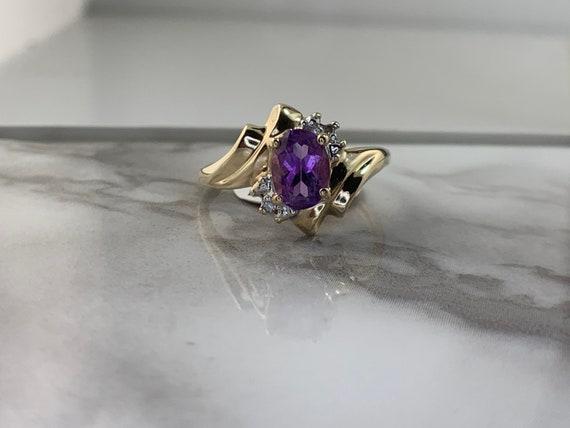 Estate 10kt Amethyst Ring