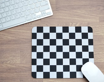 Chequered Flag Mousepad | Mousepad | Birthday Gifts | Car Memorabilia | Car Enthusiasts | Motorsport Gifts | Office | F1 Gifts | Chessboard