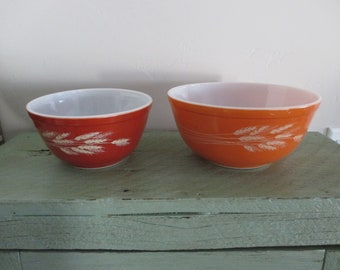 Vintage Pyrex 402 SPRING BLOSSOM 1st version mixing bowl 7 Crazy Daisy nesting bowl 1972-1978 very good condition 1970/'s Avocado Green!