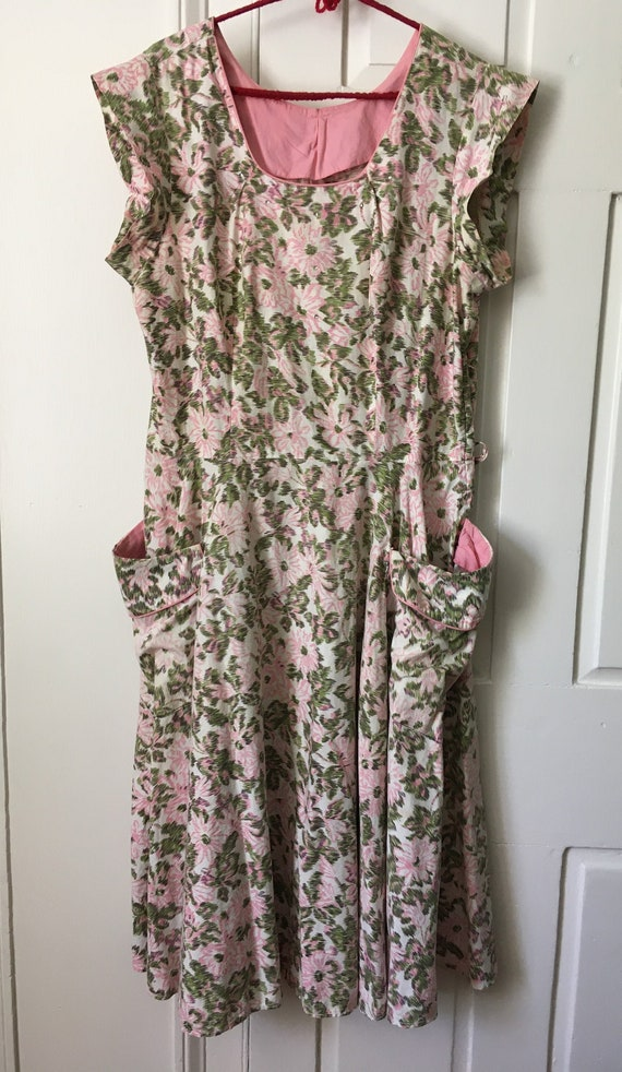 1950s volup vintage fit & flare cotton floral hous
