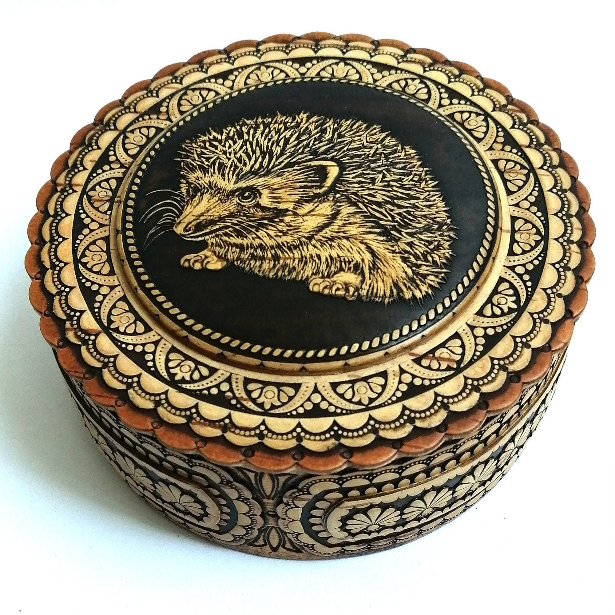 Jewelry box with the image of the Hedgehog. Handmade birch bark box. Jewelry box for lovers of cute animals. Eco-friendly gift.