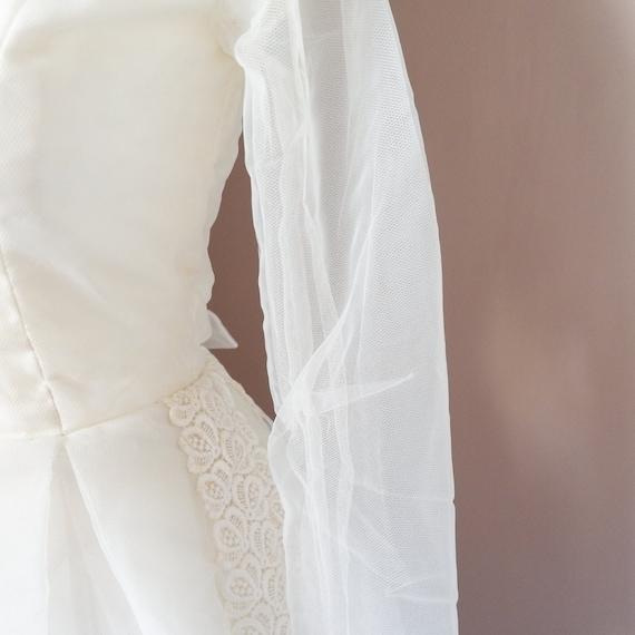 1950s A-line broderie anglaise wedding dress