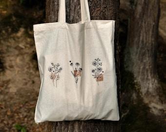 Jute bag with minimalist floral design and rose gold accents, fabric bag for university, for shopping, beach bag, gym and more