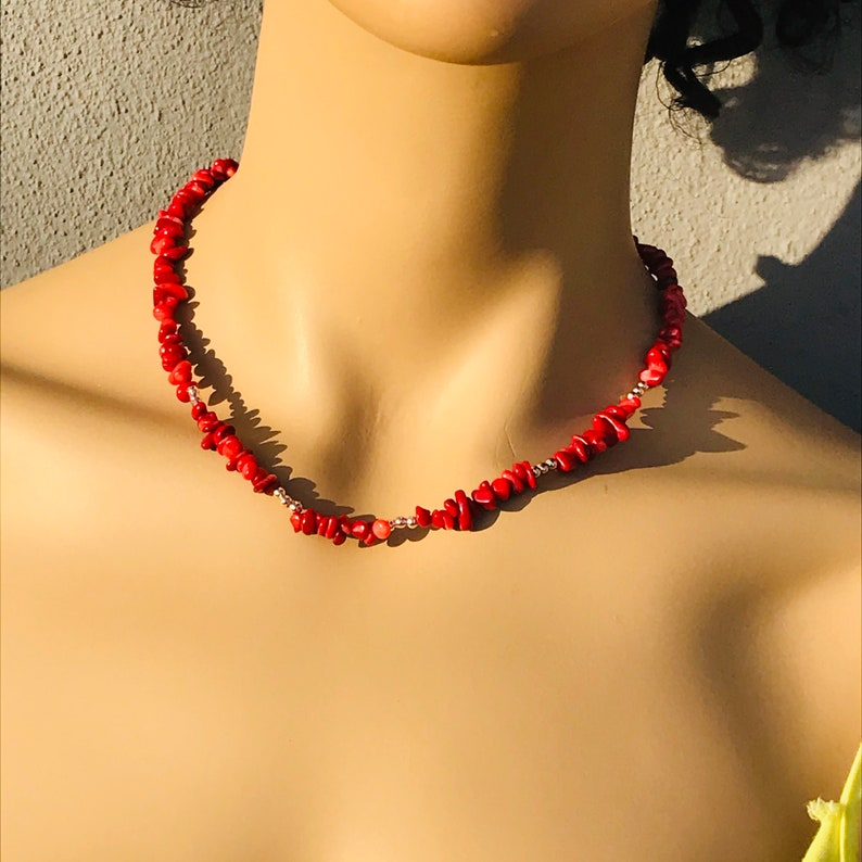 Natural Red Coral Necklace Collier Femme Moonstone Beaded Necklace Cadeau Maitresse Dainty Choker Necklace Mothers Day Gift from Daughter