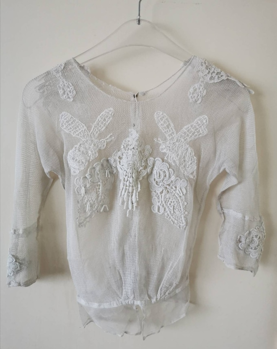 Antique 1910 Edwardian bumble bee embroidered tull
