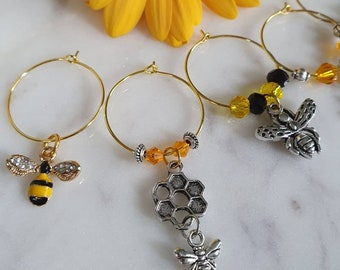 Wine glass charms, Honey Bees, Handmade, Jewellery for glasses, pretty hand crafted presentation card