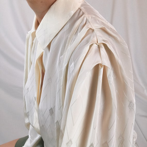 Vintage shirt puffed women/folds on the shoulders