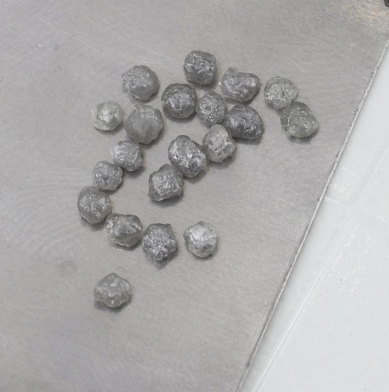 Conflict Free Uncut Diamond 10-50  Pcs 2.0-3.0mm Grey  Rough Diamond Natural Round Grey  Raw Diamond