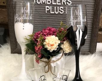 Custom Bride & Groom Champagne Flutes Gift Set