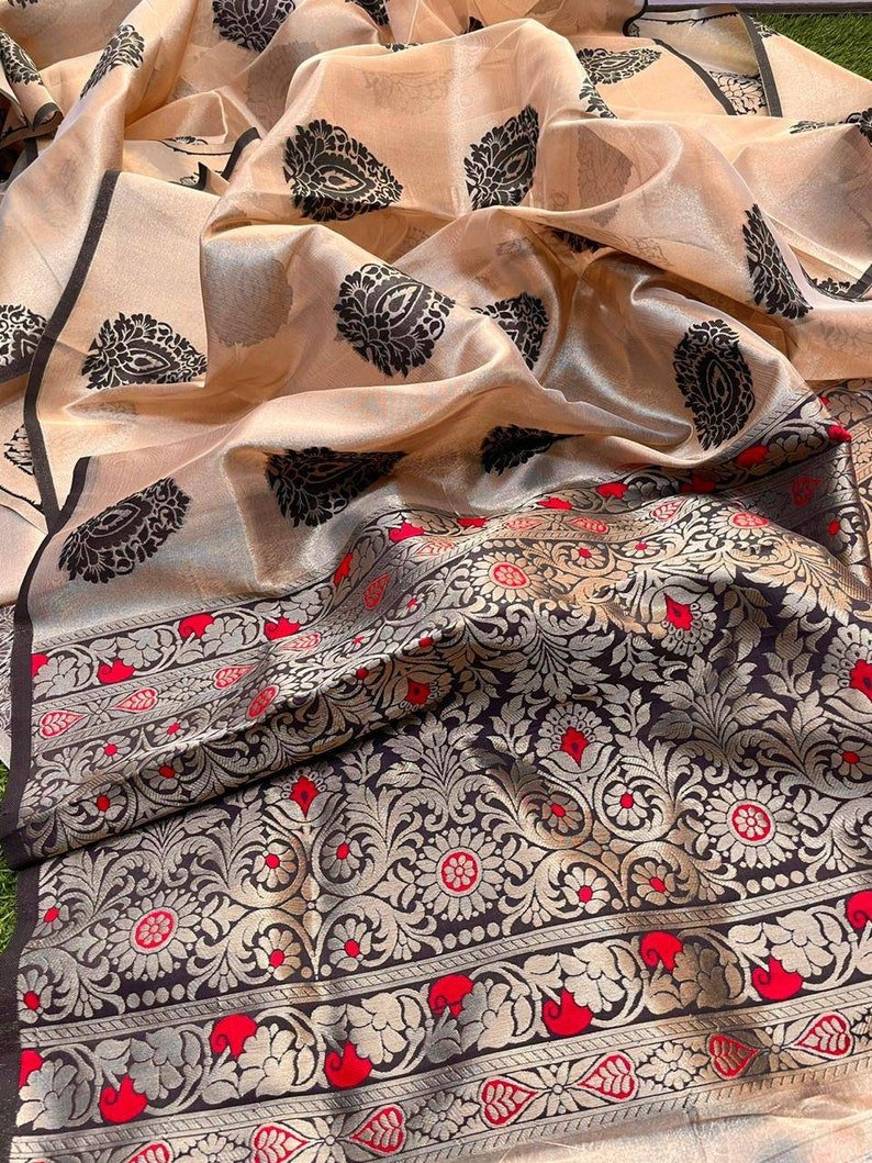 Black Pure Handloom Multicolor Kanchi Organza saree and blouse for women,wedding saree,indian saree,saree dress,saree for women,sari,saris