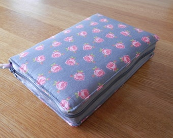 NWT 2013 Zipped Fabric Bible Cover - Pink Roses on Grey