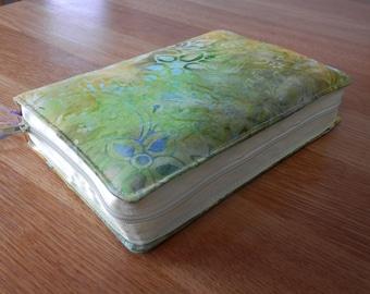 NWT 2013 Zipped Fabric Bible Cover - Green Batik