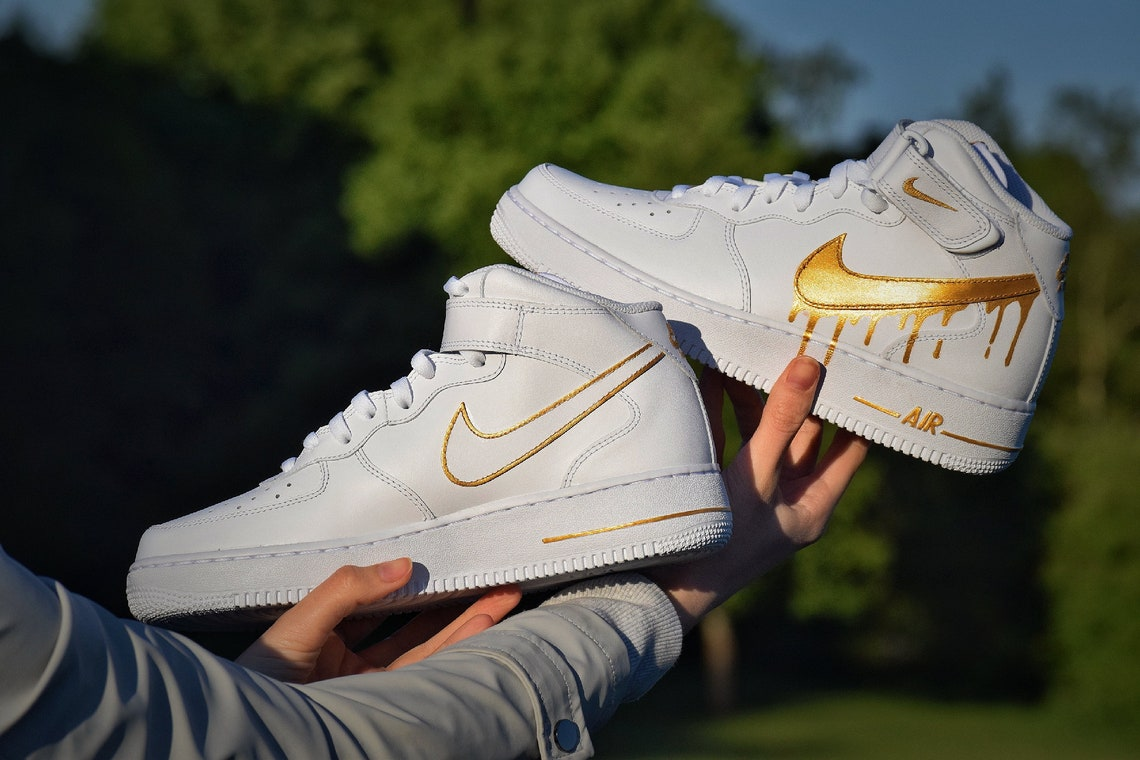 Custom painted Air Force 1 Mid '07 Gold Drip