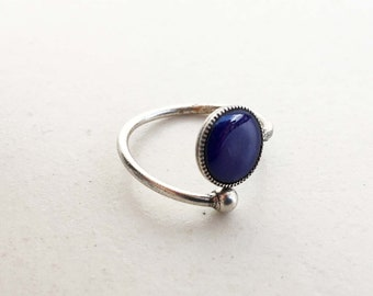 ADJUSTABLE PINKY RING with black enamel