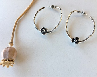 RIGID EARRINGS with butterfly clasp