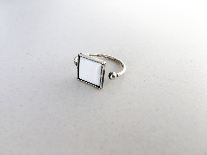 Adjustable PINKY RING with enamelled squared shape image 0