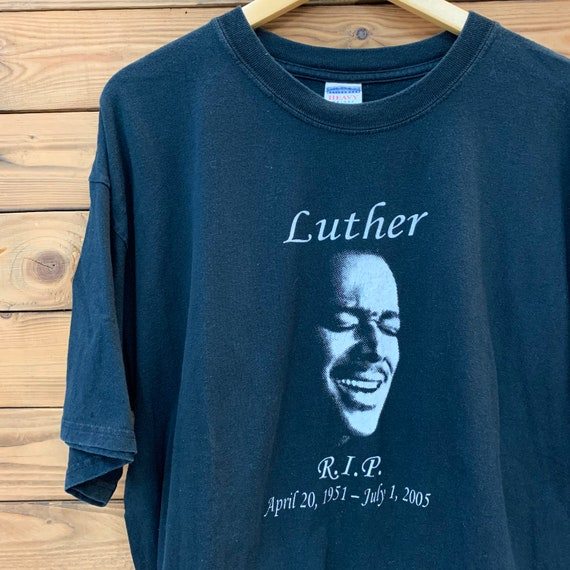 Vintage 00s Luther vandross Rip T-Shirt