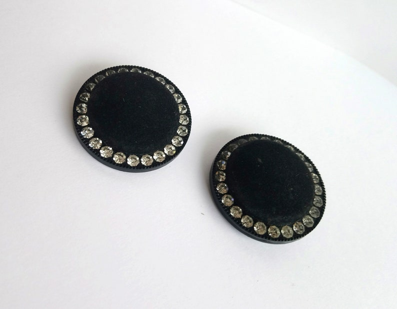 Vintage round velvet shoe clips with rhinestones Art deco Shoes decor