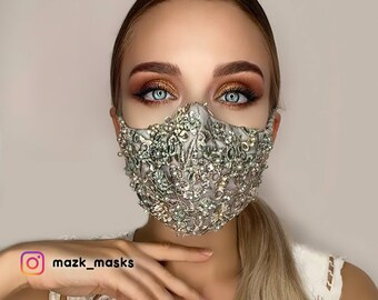 Bemused leather mask in white