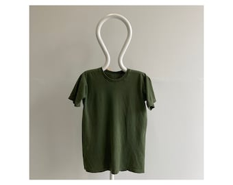 Vintage-ish 90s 00s Army / Olive Green Blank T-Shirt