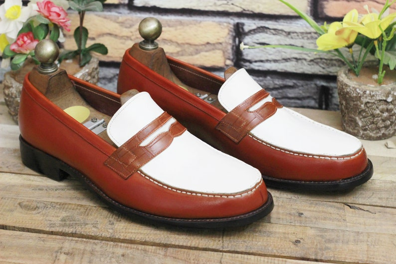Men's 1950s Shoes Styles- Classics to Saddles to Rockabilly     Handmade Leather Men Two Tone Fringes White Brown Leather Shoes Men Stylish Loafer Shoes $89.99 AT vintagedancer.com