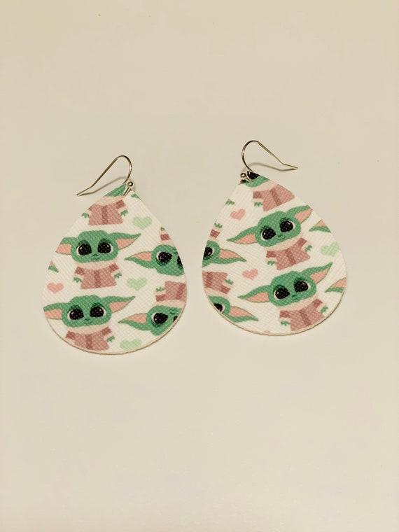 Star Wars: Baby yoda earrings, The Child earrings, Star wars Earrings, Mandalorian Earrings