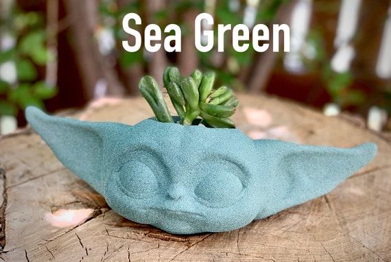 Star Wars: Baby Yoda Succulent holder, Baby Yoda planter, Baby Yoda Flower pot, Star Wars fan gift, Baby Yoda Gift, Baby Yoda pot
