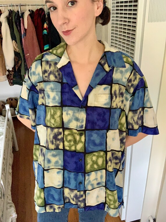 Square Geometric 90s/80s Button Up