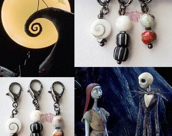 US 10   SET   Stitch Markers Jack Sally Moon Hill Halloween Christmas Movie   Handmade Beaded Progress Keeper Charm