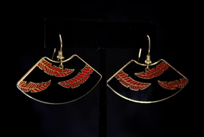 Retro Vintage /& Signed Enamel Red-on-Black Chinese Fan w Feathers Dangle Drop Earrings