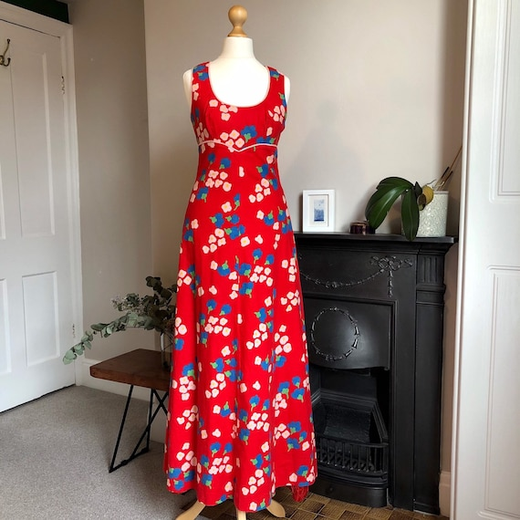Red floral sleeveless vintage dress