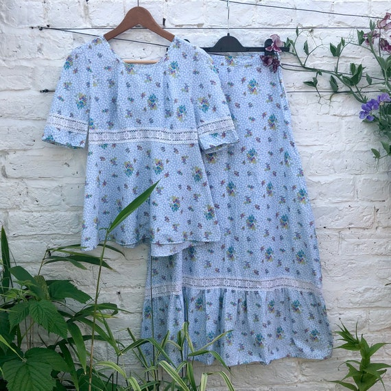1970s floral two piece size 8