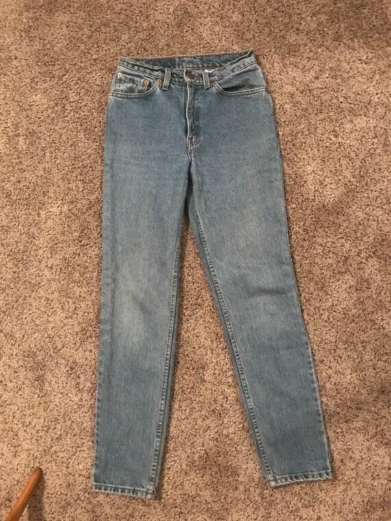 Vintage Levi's 512 light wash mom jeans - image 3