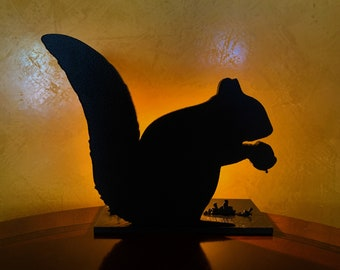 Sandy - Squirrel Silhouette Light