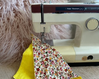 Stylish handmade floral facecloth