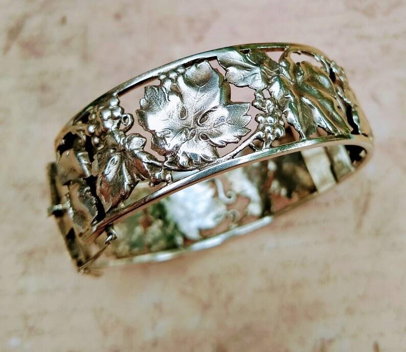 vine d\u00e9cor Antique silver bangles