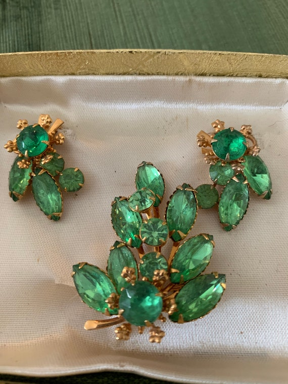 Stunning Vintage 1950s Gold Marcasite Necklace /& Clip On Earrings in original vintage box