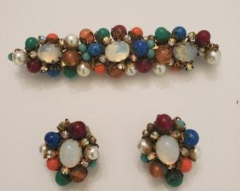 Vintage 1950/'s Jonne faceted white milk glass clip-on earrings