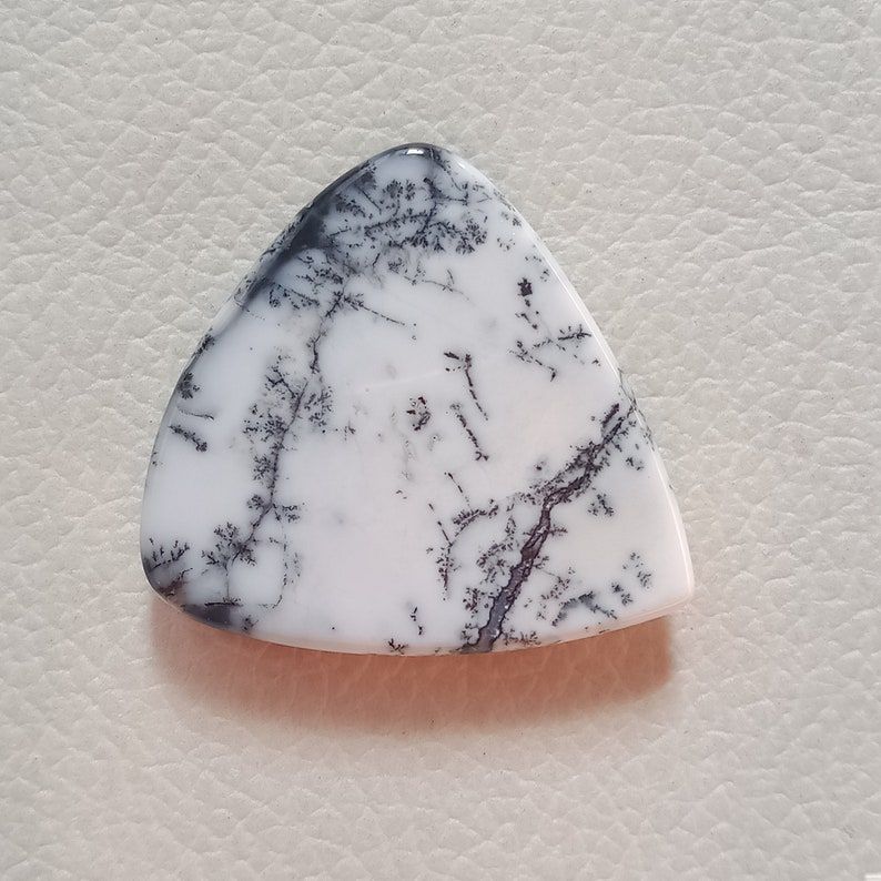 AAA Quality Triangle Shape Dendrite Agate Gemstone Natural Dendrite Opal Cabochon Jewellery Stone Size 35*33*8mm 62Cts Loose Dendrite